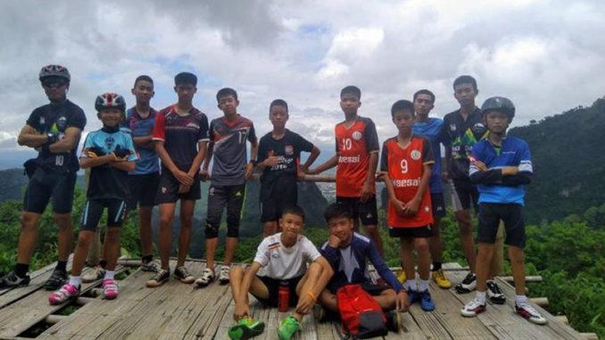 Alle 12 drenge og deres træner er nu reddet ud af grotten Tham Luang